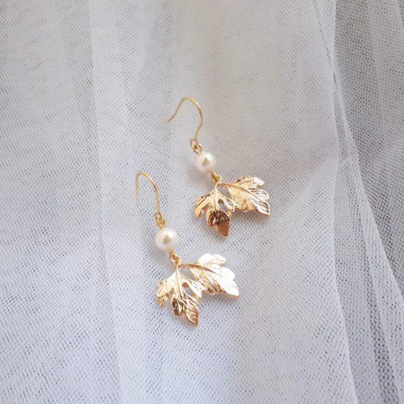 Lena - Boucles d'oreilles mariage hypoallergénique pendantes feuilles avec perles swarovski