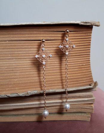 Astrid - Boucles d'oreilles longues avec perles swarovski et zircons