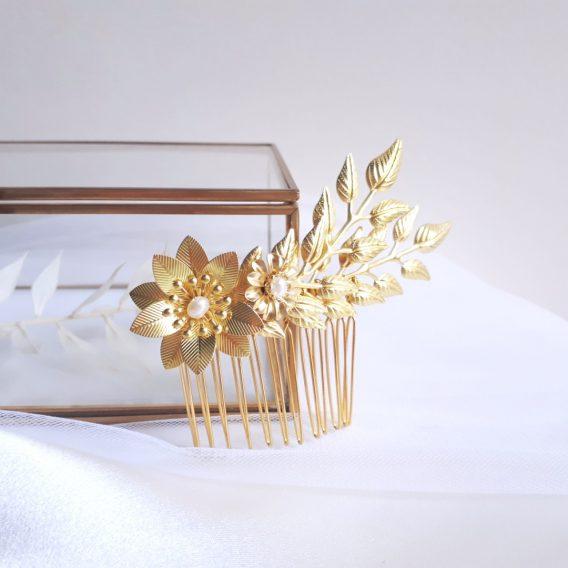 Lyse – Peigne de mariée feuillage et fleurs bohème chic avec perles d'eau douce