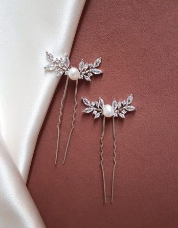 Lynn - Pic à chignon avec feuillage zircon et perle baroque naturelle