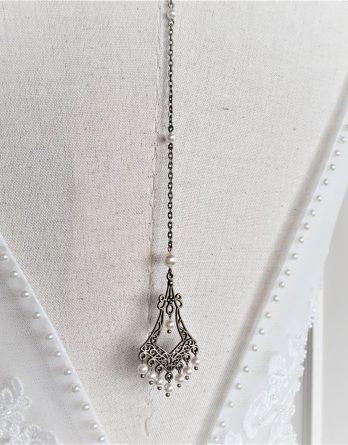 "Collier avec bijou de dos mariage ""Joséphine"" avec perles swarovski"