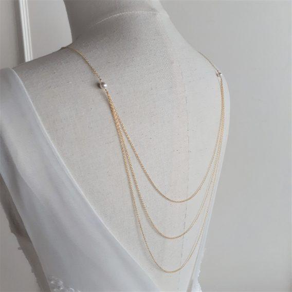 Amélia - Collier avec bijou de dos mariage