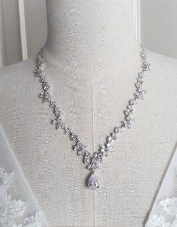 Juliette - Collier avec bijou de dos mariage