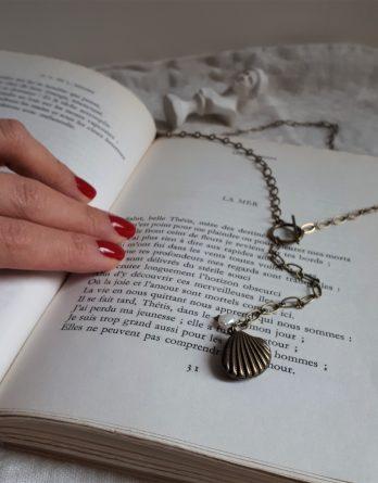 Inaya - Collier de dos ou Collier Y Lariat bronze avec perle naturelle baroque
