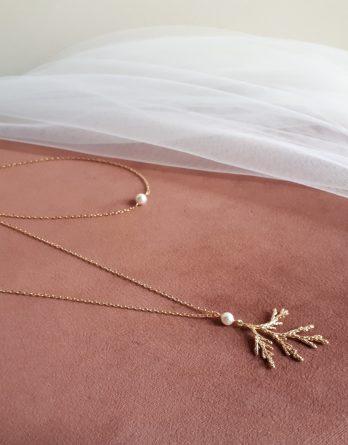 Garance - Collier de dos mariage pendentif branche délicate avec perles swarovski