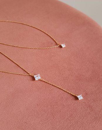 Agnès - Collier de dos mariage minimaliste plaqué Or 24K avec pendentifs zircons carrés