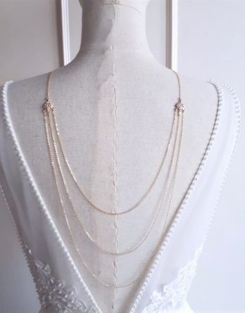 Amandine - Collier de dos mariage 3 rangs plaqué Or 18K avec pendentifs Edwardian et zirconium