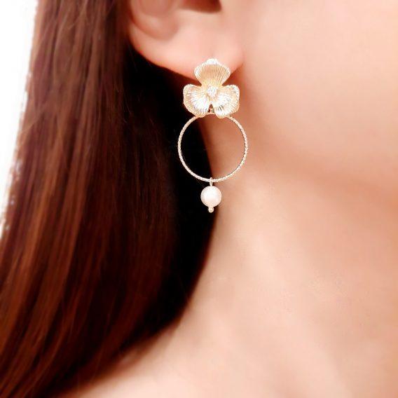 Boucles d'oreilles fleurs plaqué Or 24K pour mariage champêtre chic