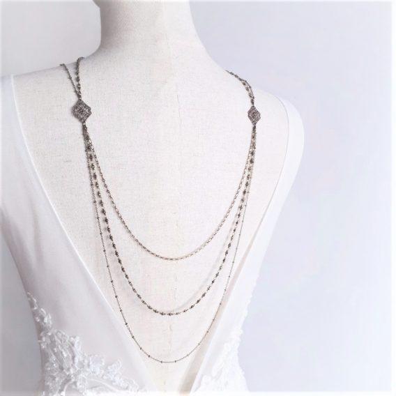 Elena3 - Collier de dos mariage 3rangs bronze avec losanges ajourées