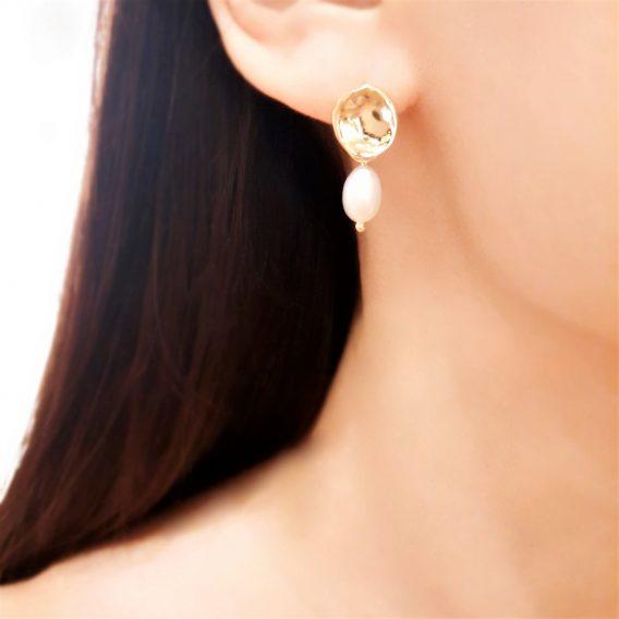 Julie - Boucles d'oreilles minimaliste plaqué Or avec perles naturelles