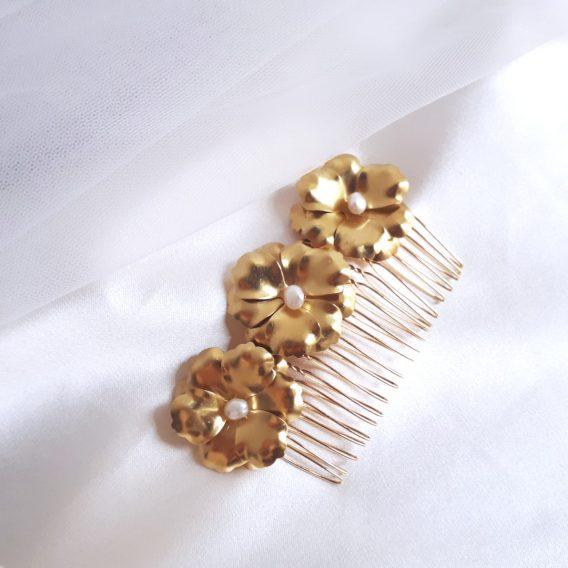 Maéline – Peigne de mariée fleurs délicates avec perles d'eau douce