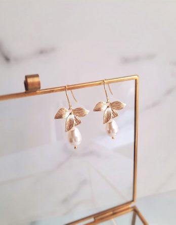 Maria - Boucles d'oreilles fleurs hypoallergénique avec perles poires Swarovski
