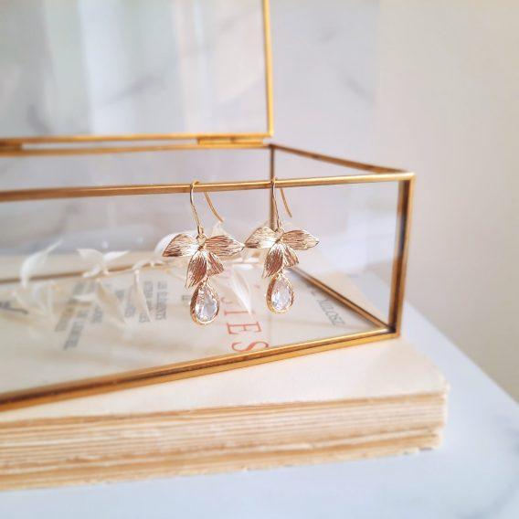 Maria - Boucles d'oreilles fleurs hypoallergéniques avec pendentifs gouttes en zircon