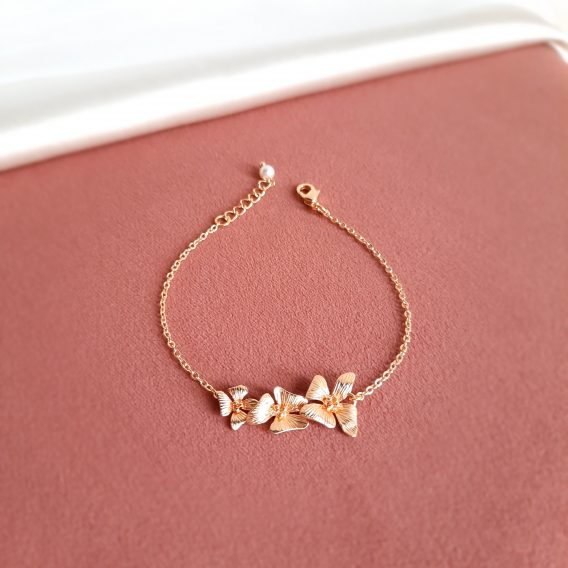 Maya - Bracelet mariage champêtre chic avec 3 fleurs