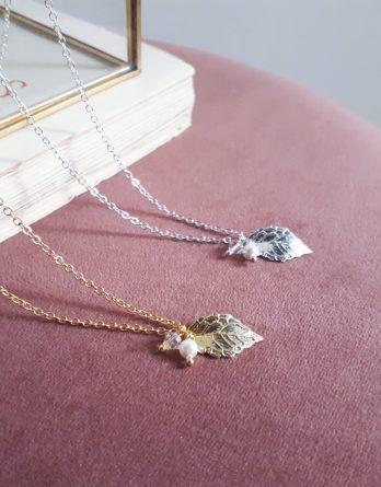 Nélia - Collier pendentif feuille délicate avec perles swarovski