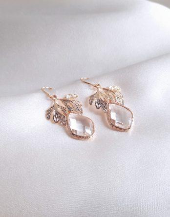 Thea - Boucles d'oreilles mariage hypoallergénique pendantes feuilles et gouttes cristal
